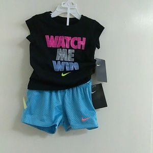 Nike Size: 2T Outfit For Little Toddler Girl, New